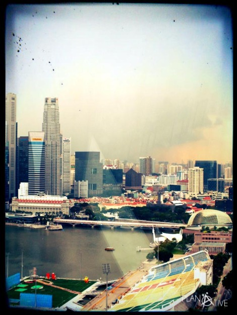 Beeindruckender Blick vom Singapore Flyer auf die Marina Bay - © Planätive